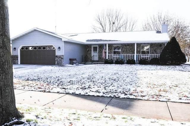 1671 Hunters Glen Drive, Oshkosh, WI 54904 (#50215723) :: Todd Wiese Homeselling System, Inc.