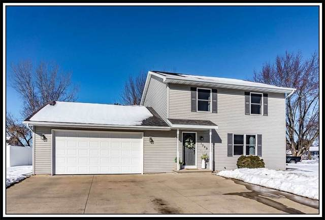 1329 Robin Street, New London, WI 54961 (#50216639) :: Todd Wiese Homeselling System, Inc.