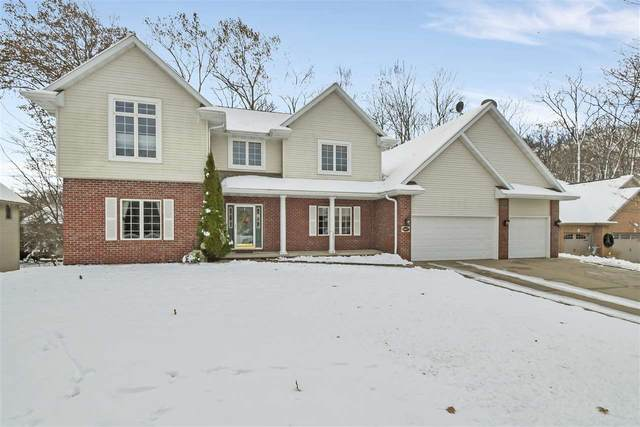 2887 Parkwood Drive, Green Bay, WI 54313 (#50216678) :: Todd Wiese Homeselling System, Inc.