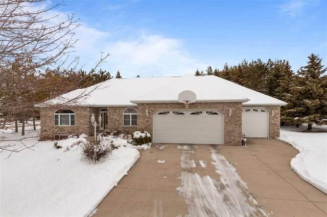 403 N Pine Grove Lane, Hortonville, WI 54944 (#50216816) :: Todd Wiese Homeselling System, Inc.