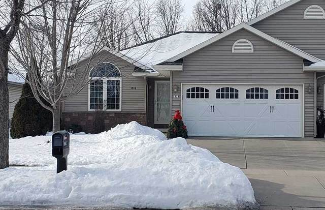 1316 S Park Avenue, Fond Du Lac, WI 54935 (#50216912) :: Todd Wiese Homeselling System, Inc.