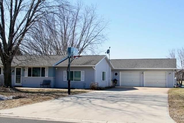 521 James Street, Stockbridge, WI 53088 (#50217510) :: Todd Wiese Homeselling System, Inc.