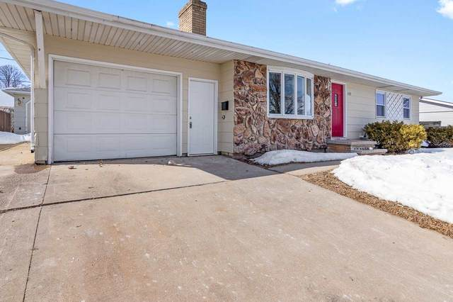 608 Marcella Avenue, Combined Locks, WI 54110 (#50217912) :: Dallaire Realty