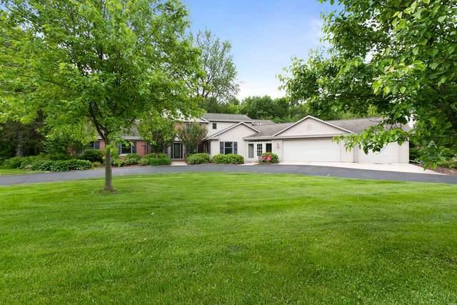 113 Limekiln Drive, Neenah, WI 54956 (#50218127) :: Todd Wiese Homeselling System, Inc.