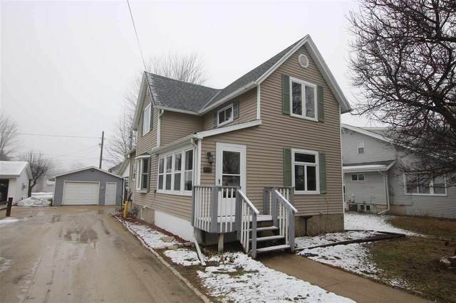 112 S 2ND Street, Oakfield, WI 53065 (#50218307) :: Todd Wiese Homeselling System, Inc.