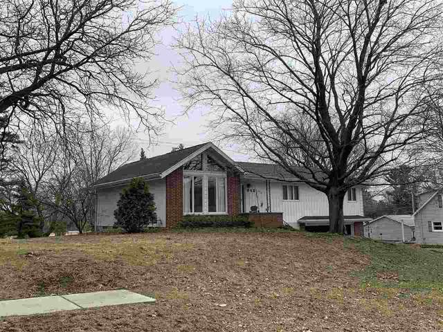 943 Pleasant Street, Ripon, WI 54971 (#50219728) :: Todd Wiese Homeselling System, Inc.