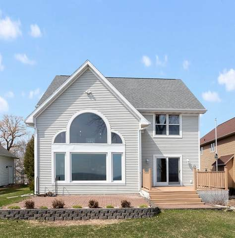 3296 Sunset Beach Lane, Suamico, WI 54173 (#50219978) :: Todd Wiese Homeselling System, Inc.