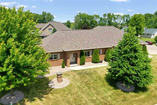 487 Falcon Drive, Pulaski, WI 54162 (#50223876) :: Todd Wiese Homeselling System, Inc.