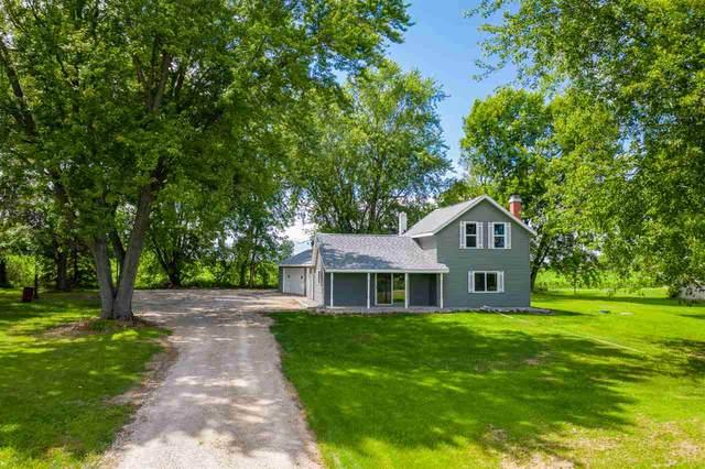 N8359 Hwy 45, Bear Creek, WI 54922 (#50226030) :: Todd Wiese Homeselling System, Inc.
