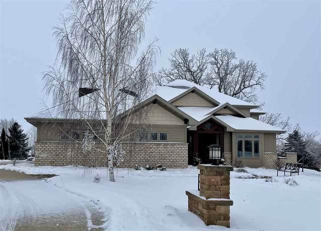 3077 Saffron Lane, Neenah, WI 54956 (#50228623) :: Town & Country Real Estate