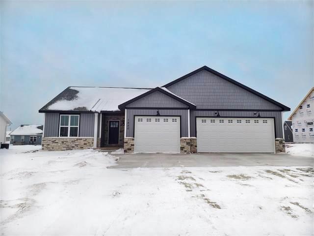 1850 Red Fox Lane, Kaukauna, WI 54130 (#50228959) :: Todd Wiese Homeselling System, Inc.