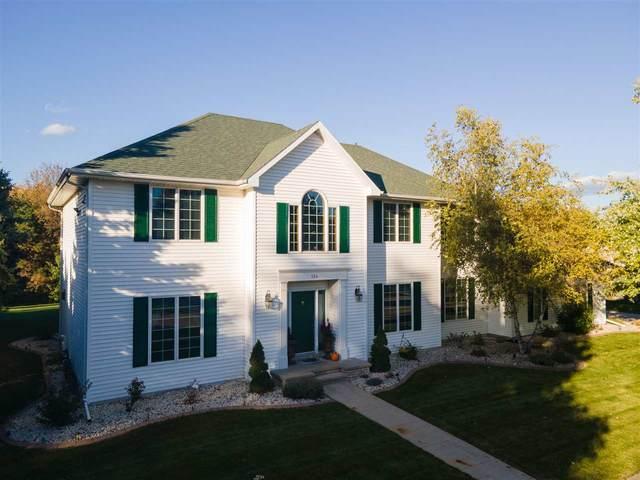 224 E Fernwood Lane, Appleton, WI 54913 (#50230720) :: Ben Bartolazzi Real Estate Inc