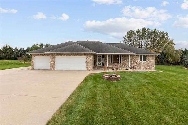 W4795 Deer Run Drive, Black Creek, WI 54106 (#50231047) :: Ben Bartolazzi Real Estate Inc
