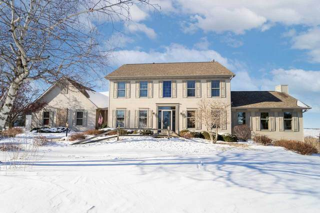 W9738 Stone Crest Drive, Hortonville, WI 54944 (#50235135) :: Town & Country Real Estate