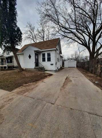 821 School Place, Green Bay, WI 54303 (#50237151) :: Town & Country Real Estate