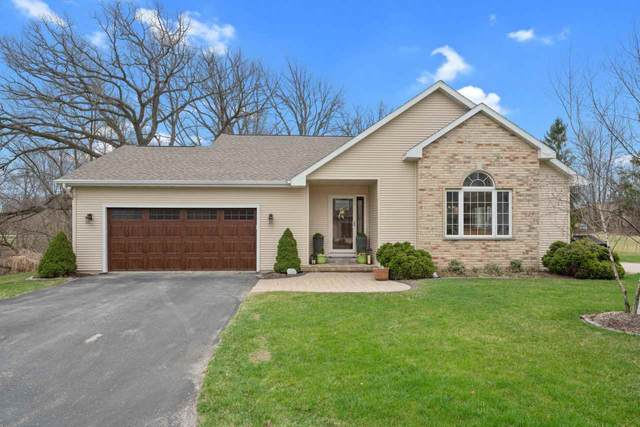 5366 Sand Beach Drive, Luxemburg, WI 54217 (#50238127) :: Town & Country Real Estate