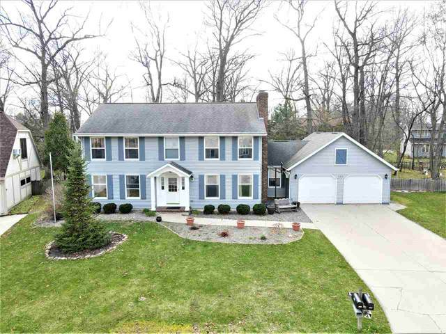 330 Traders Point Lane, Green Bay, WI 54302 (#50238357) :: Ben Bartolazzi Real Estate Inc