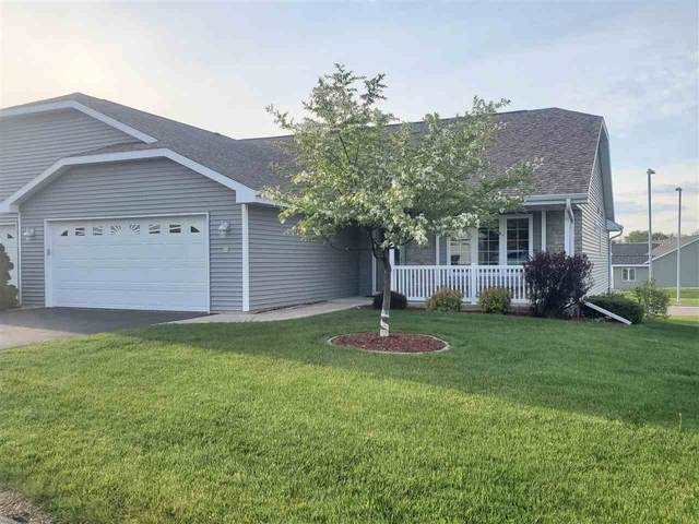 29 Yorkshire Drive, Fond Du Lac, WI 54935 (#50240302) :: Todd Wiese Homeselling System, Inc.