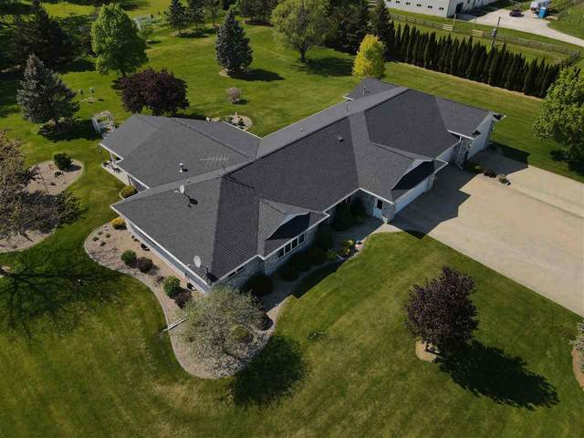 8187 Lehrer Lane, Neenah, WI 54956 (#50240344) :: Todd Wiese Homeselling System, Inc.