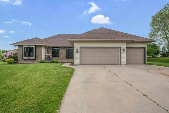 1393 Castle Rock Court, De Pere, WI 54115 (#50241389) :: Todd Wiese Homeselling System, Inc.