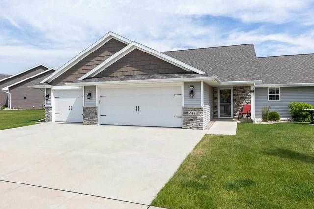 841 Sharon Lane, Pulaski, WI 54162 (#50243162) :: Ben Bartolazzi Real Estate Inc