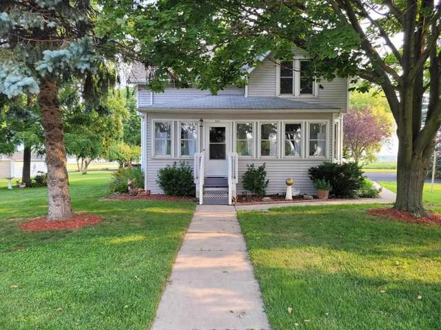 315 E State Street, Fox Lake, WI 53933 (#50245310) :: Todd Wiese Homeselling System, Inc.