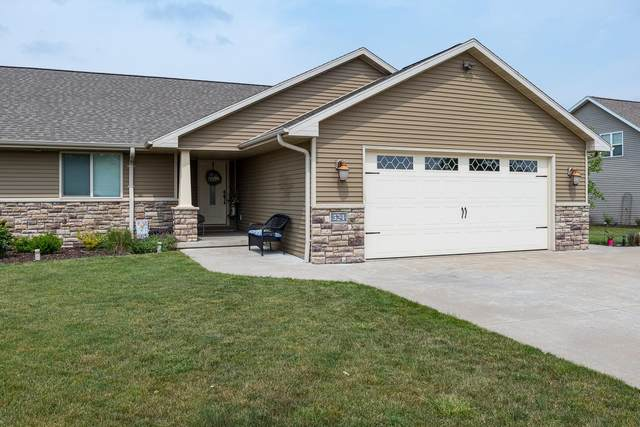 524 Coonen Drive, Combined Locks, WI 54113 (#50248377) :: Dallaire Realty
