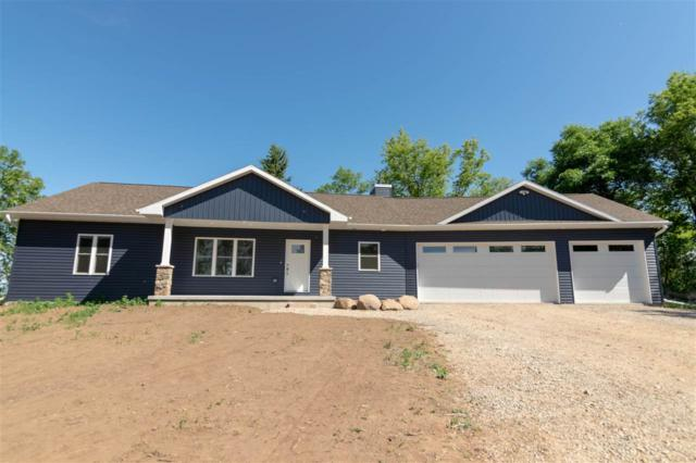 W7170 Winnegamie Drive, Appleton, WI 54914 (#50185150) :: Dallaire Realty