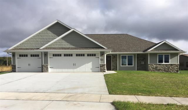 1736 Red Oak Street, Green Bay, WI 54313 (#50188812) :: Symes Realty, LLC