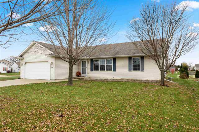 2720 Meadowview Street, Kaukauna, WI 54130 (#50194897) :: Dallaire Realty