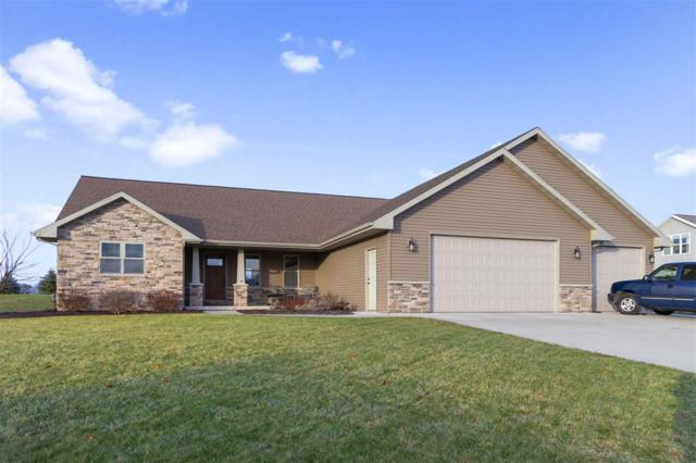 W7230 Moonlight Drive, Greenville, WI 54942 (#50195230) :: Dallaire Realty