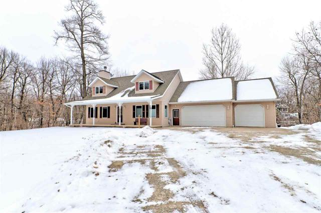 E1770 Garfield Lane, Waupaca, WI 54981 (#50195994) :: Symes Realty, LLC