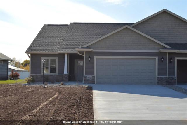 803 Mahogany Circle, De Pere, WI 54115 (#50197355) :: Todd Wiese Homeselling System, Inc.