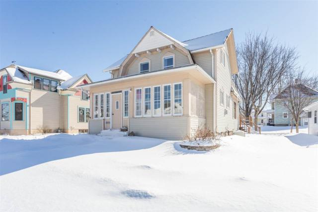 302 W Cook Street, New London, WI 54961 (#50198143) :: Todd Wiese Homeselling System, Inc.