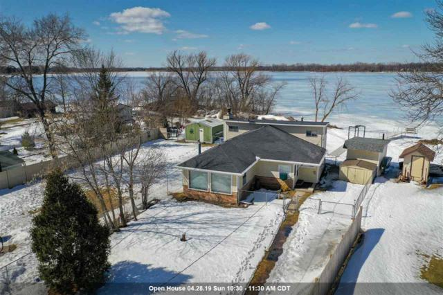 5552 W Reighmoor Road, Omro, WI 54963 (#50199265) :: Dallaire Realty