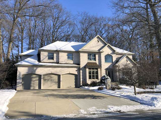 2934 Shelter Creek Court, Green Bay, WI 54313 (#50204367) :: Todd Wiese Homeselling System, Inc.