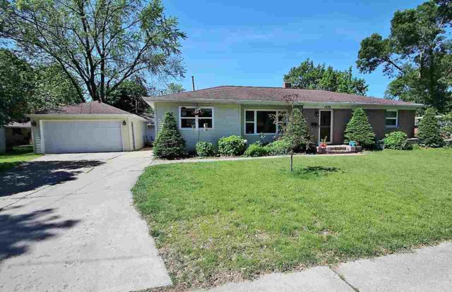 1426 Mayfair Street, De Pere, WI 54115 (#50205556) :: Todd Wiese Homeselling System, Inc.
