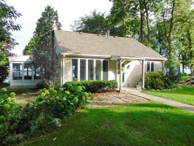 5003 Edgewater Beach Road, Green Bay, WI 54311 (#50211328) :: Todd Wiese Homeselling System, Inc.