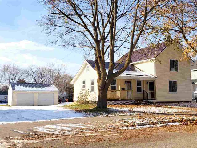 503 Columbus Avenue, Brillion, WI 54110 (#50211630) :: Dallaire Realty