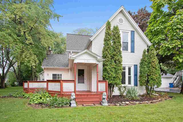 2196 S Broadway, Green Bay, WI 54304 (#50211689) :: Todd Wiese Homeselling System, Inc.