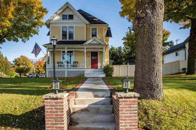 327 W Main Street, Hortonville, WI 54944 (#50212877) :: Symes Realty, LLC