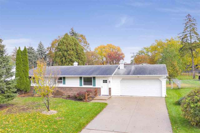2217 Barberry Lane, Green Bay, WI 54304 (#50212929) :: Symes Realty, LLC