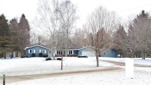 3817 E Hillcrest Road, Two Rivers, WI 54241 (#50213616) :: Todd Wiese Homeselling System, Inc.