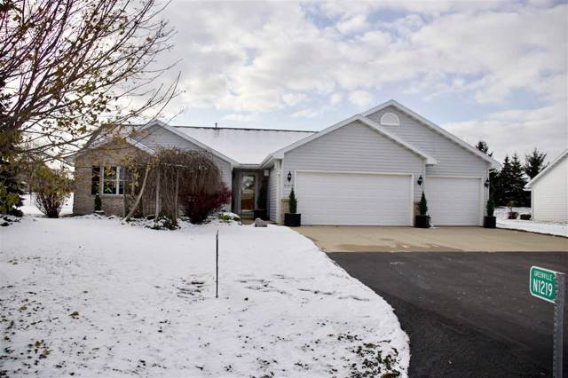 N1219 Redwing Drive, Greenville, WI 54942 (#50213804) :: Todd Wiese Homeselling System, Inc.
