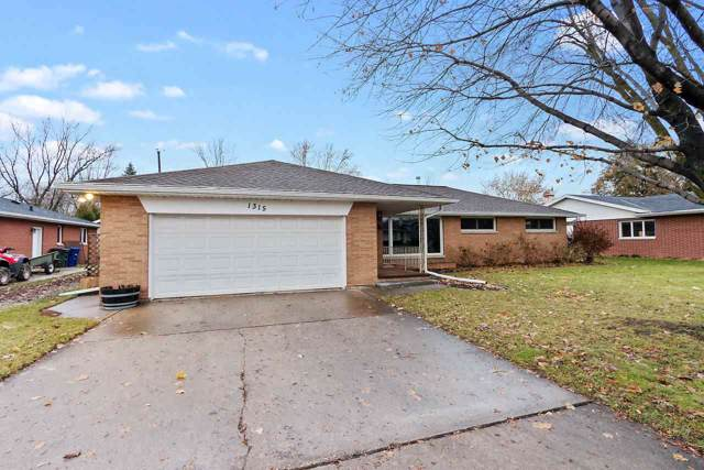 1315 Cook Street, De Pere, WI 54115 (#50214433) :: Todd Wiese Homeselling System, Inc.