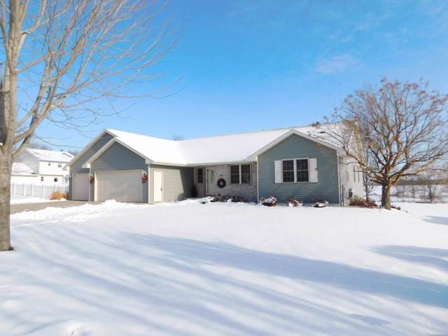 266 Mckenzie Lane, Green Bay, WI 54311 (#50214516) :: Todd Wiese Homeselling System, Inc.