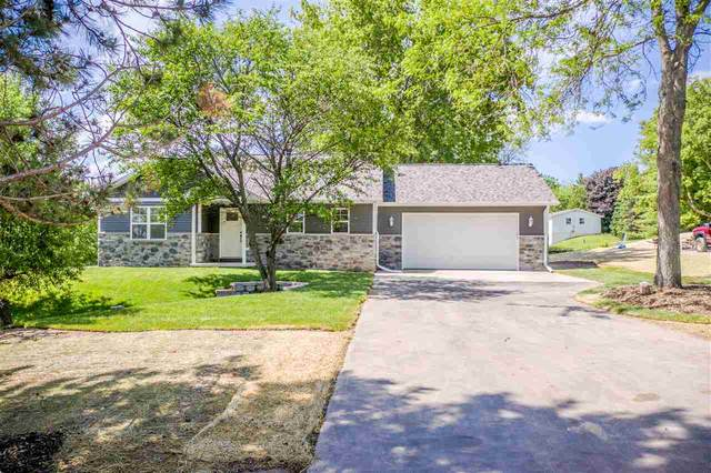 W407 Crook Road, De Pere, WI 54115 (#50215066) :: Todd Wiese Homeselling System, Inc.