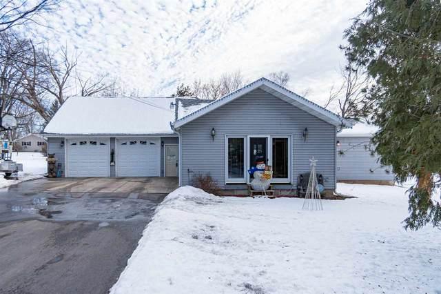 N4626 School Street, New London, WI 54961 (#50216564) :: Todd Wiese Homeselling System, Inc.