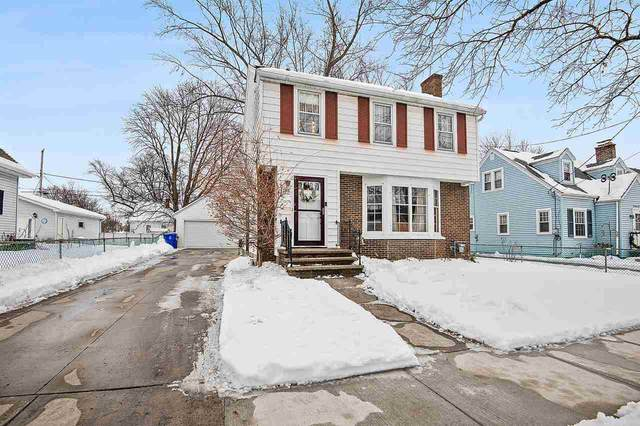 1705 W Reeve Street, Appleton, WI 54914 (#50216594) :: Todd Wiese Homeselling System, Inc.