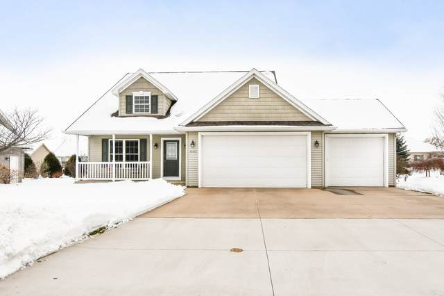 1543 Kingswood Drive, Neenah, WI 54956 (#50216625) :: Symes Realty, LLC
